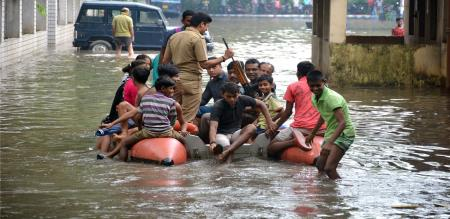 heavy-downpour-brings-kolkata-to-grinding-halt-more-rainfall-expected-in-next-3-days